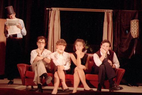 Actuación en IES Isla de León (San Fernando) junto a Monchi Cruz, Eva Escudier y Álex O'Dogherty, 1990