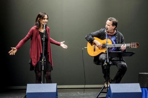 """Actuación """"Relatos y canciones para despertar el alma"""" en Palencia, junto a Luis Guitarra, 2015"""